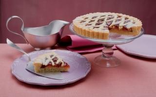 Crostata con marmellata d'uva