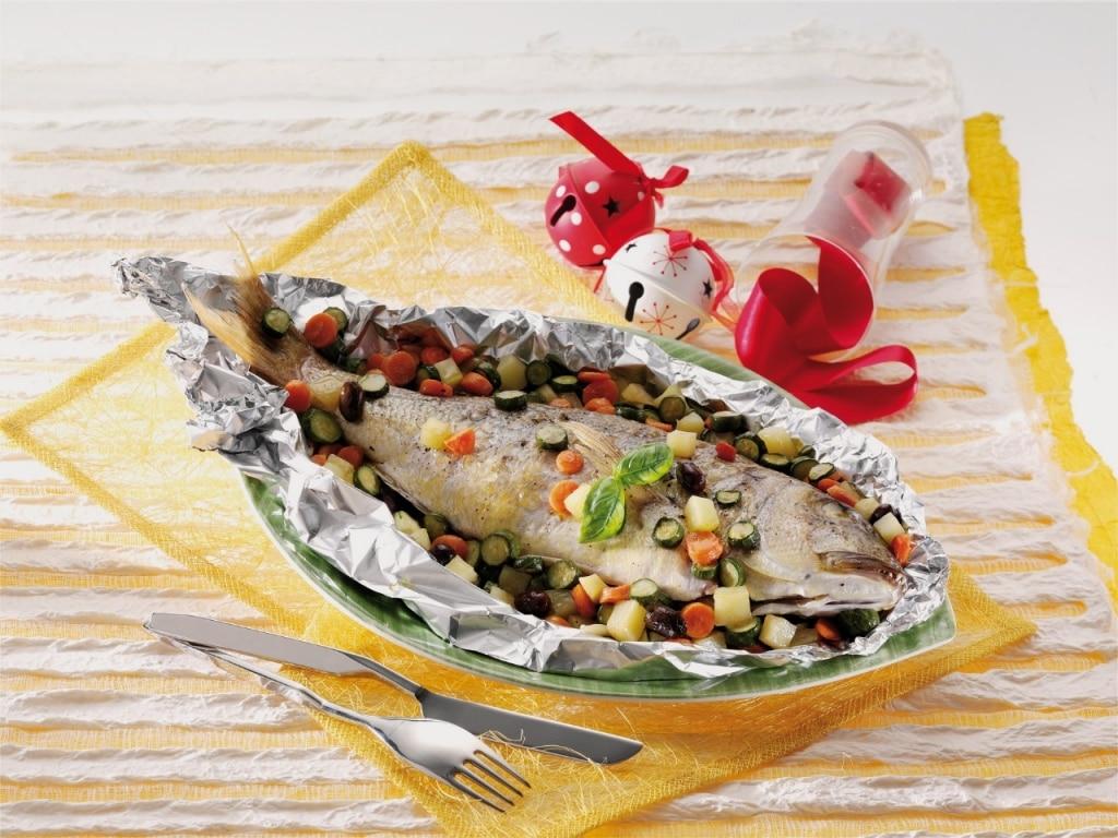 Ricetta dentice al cartoccio con taggiasche cucchiaio d for Cucinare dentice