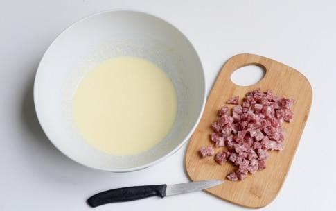 Preparazione Sformato di patate, pecorino e salame - Fase 1