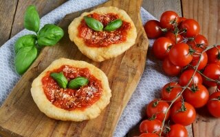Pizzelle con parmigiano
