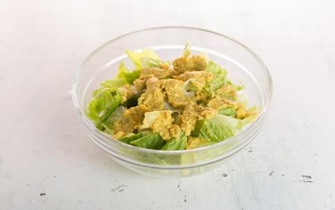Preparazione Insalata di lattuga, groviera, uova e avocado - Fase 2