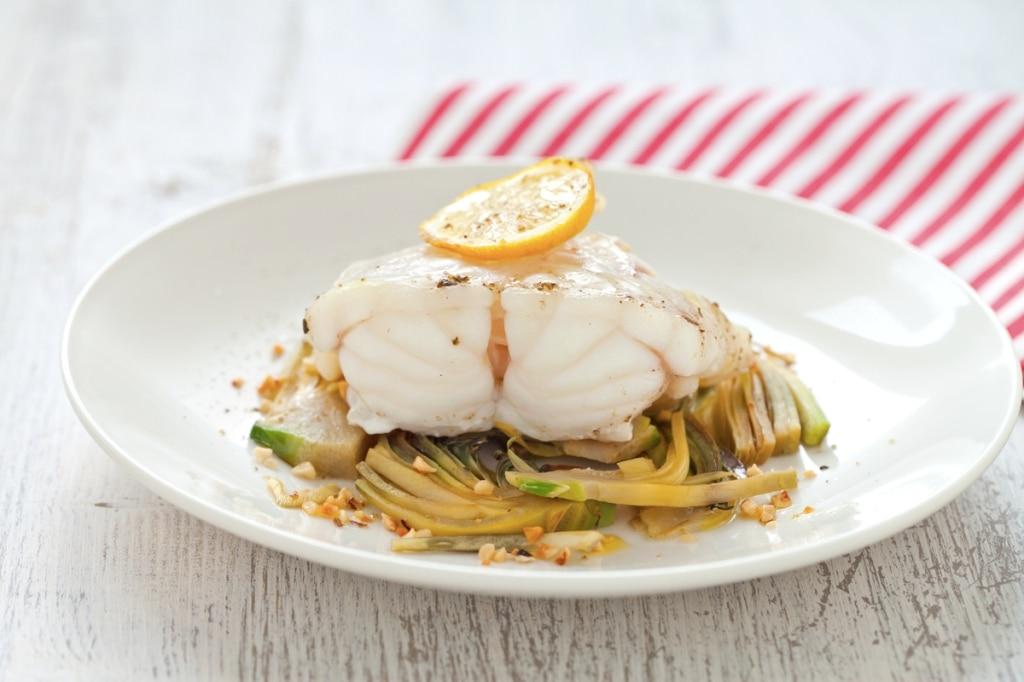 Ricetta pescatrice al limone con carciofi cucchiaio d for Cucinare carciofi