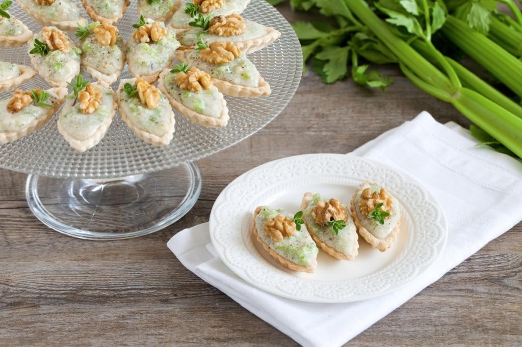 Barchette alla mousse di gorgonzola e sedano