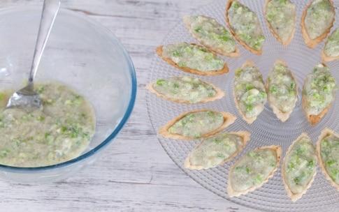 Preparazione Barchette alla mousse di gorgonzola e sedano - Fase 2