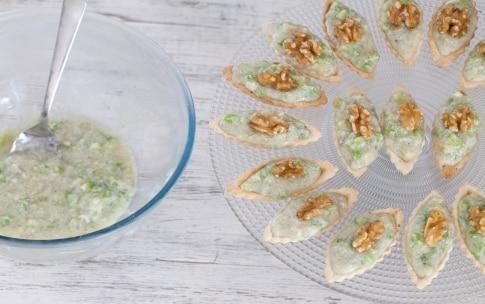 Preparazione Barchette alla mousse di gorgonzola e sedano - Fase 3