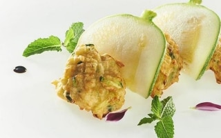 Frittelle soffici di zucchine, menta e...