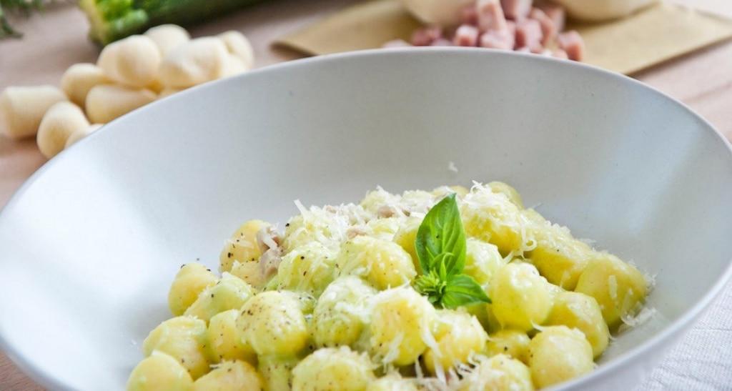 Ricetta gnocchi con zucchine prosciutto e provola - Cucina fanpage ricette ...