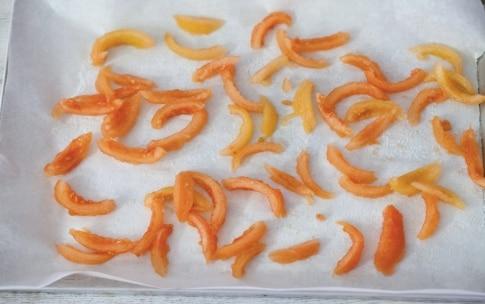 Preparazione Tagliolini con pesto, mandorle e pomodori confit - Fase 1008916413