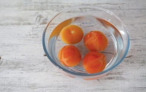 Preparazione Tagliolini con pesto, mandorle e pomodori confit - Fase 1277045739
