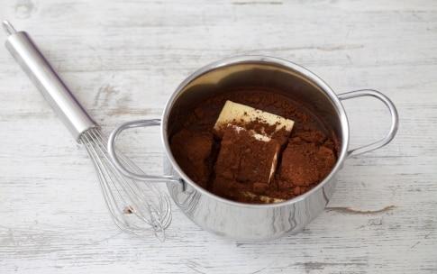 Preparazione Torta al cioccolato e uva passa - Fase 1
