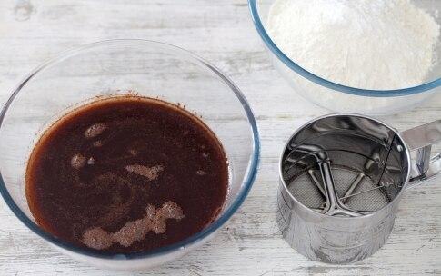 Preparazione Torta al cioccolato e uva passa - Fase 1351032160
