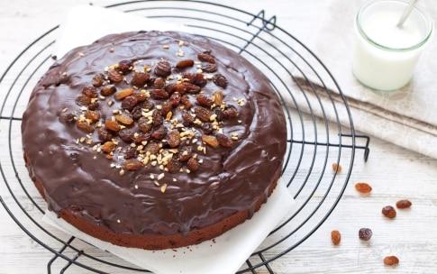 Preparazione Torta al cioccolato e uva passa - Fase 442239974