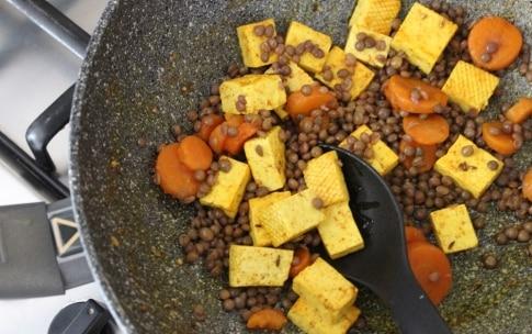 Preparazione Tofu e lenticchie alle spezie - Fase 3