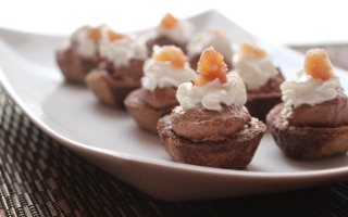 Cestini di castagne con panna e cioccolato