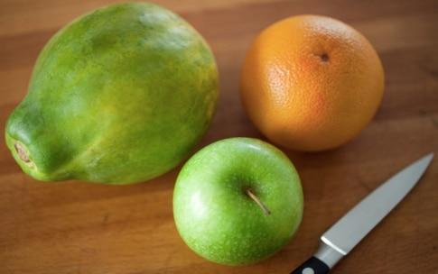 Preparazione Centrifugato di mela verde, papaia e pompelmo - Fase 1
