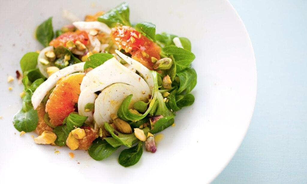 ricetta insalata di arance songino pistacchi e finocchi