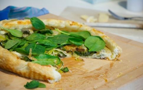 Preparazione Torta salata con cipollotto, spinaci e gorgonzola - Fase 3