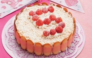 Torta gelato meringata alle fragole
