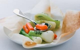 Finocchi, cipollotti e carote al cartoccio