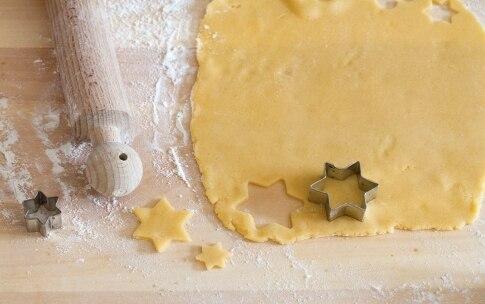 Preparazione Crostata alla confettura di mirtilli  - Fase 3