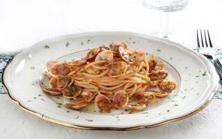 Spaghetti con sugo di lupini