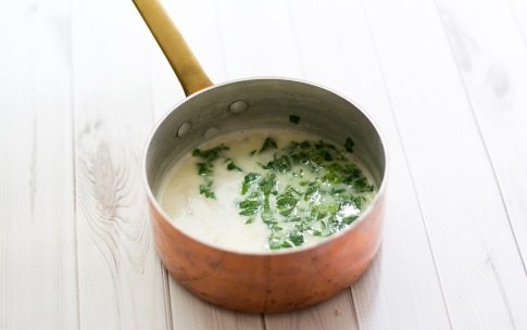 Preparazione Nidi di tagliolini con crema di gorgonzola e pere - Fase 1