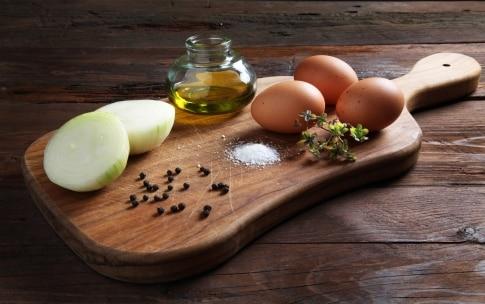 Preparazione Frittata di cipolle - Fase 1