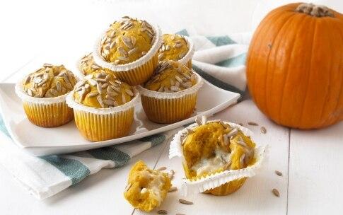 Preparazione Muffin alla zucca con cuore di gorgonzola - Fase 4