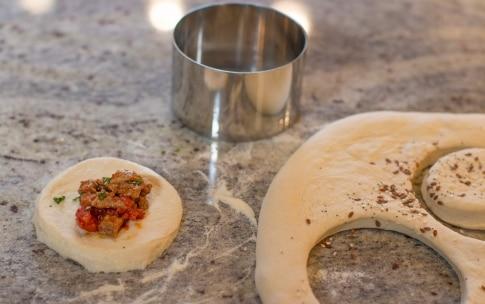 Preparazione Panini ripieni di spezzatino - Fase 3