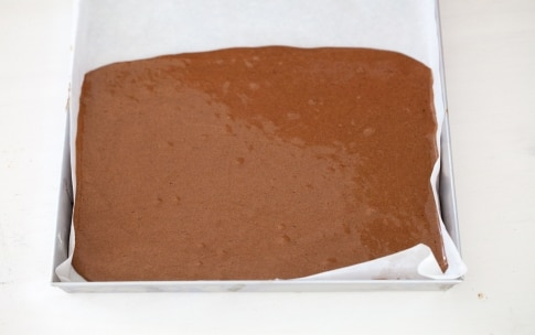 Preparazione Rotolo al cioccolato con crema al mascarpone - Fase 3