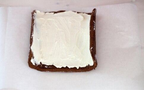 Preparazione Rotolo al cioccolato con crema al mascarpone - Fase 5