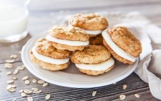 Biscotti all'avena ripieni