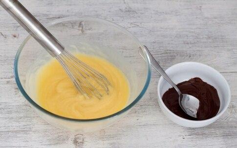 Preparazione Ciambellone ripieno di cioccolato - Fase 3