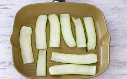 Preparazione Rose di zucchine alla parmigiana - Fase 1