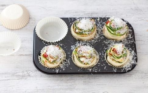 Preparazione Rose di zucchine alla parmigiana - Fase 4