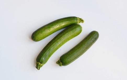Preparazione Fusilli con zucchine e pancetta - Fase 1