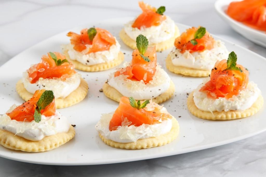 Tartine ricotta, salmone e caviale di limone