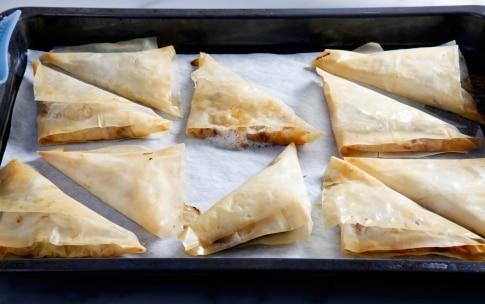 Preparazione Fagottini di pasta fillo pere e gorgonzola - Fase 4