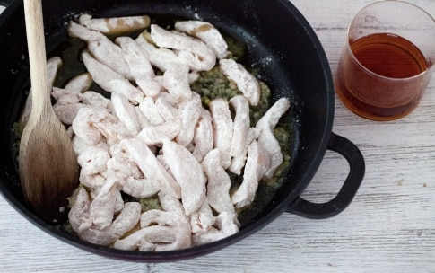Preparazione Straccetti di pollo al limone, miele e rosmarino - Fase 2