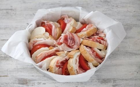 Preparazione Torta di pane, pancetta e formaggi - Fase 2