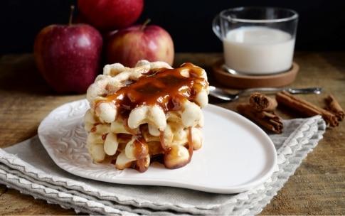 Preparazione Waffle con mele e cannella - Fase 1128100886