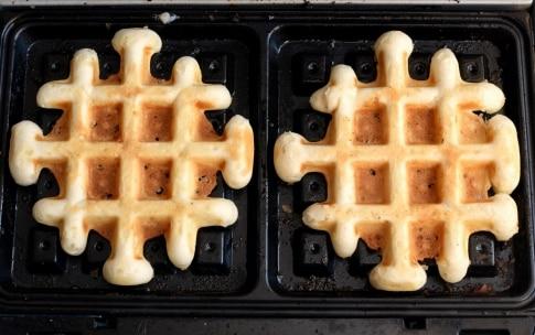 Preparazione Waffle con mele e cannella - Fase 3
