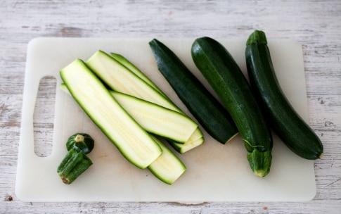 Preparazione Involtini di zucchine con pancetta e fontina - Fase 1