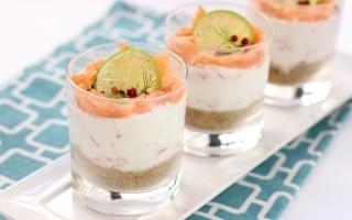 Cheesecake al salmone, lime e pepe rosa