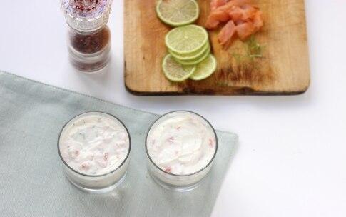 Preparazione Cheesecake al salmone, lime e pepe rosa - Fase 3