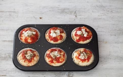 Preparazione Muffin di pizza - Fase 1012097611