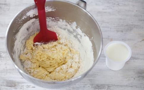 Preparazione Torta sette vasetti salata - Fase 3
