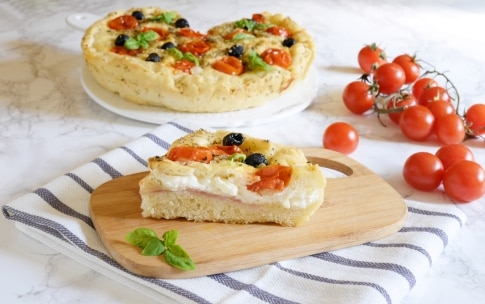 Preparazione Focaccia con pomodorini ripiena - Fase 4