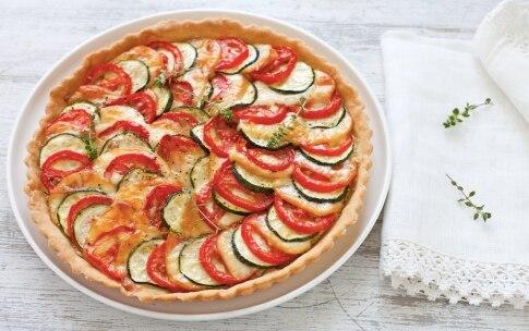 Preparazione Torta salata di pomodori, zucchine e scamorza - Fase 5