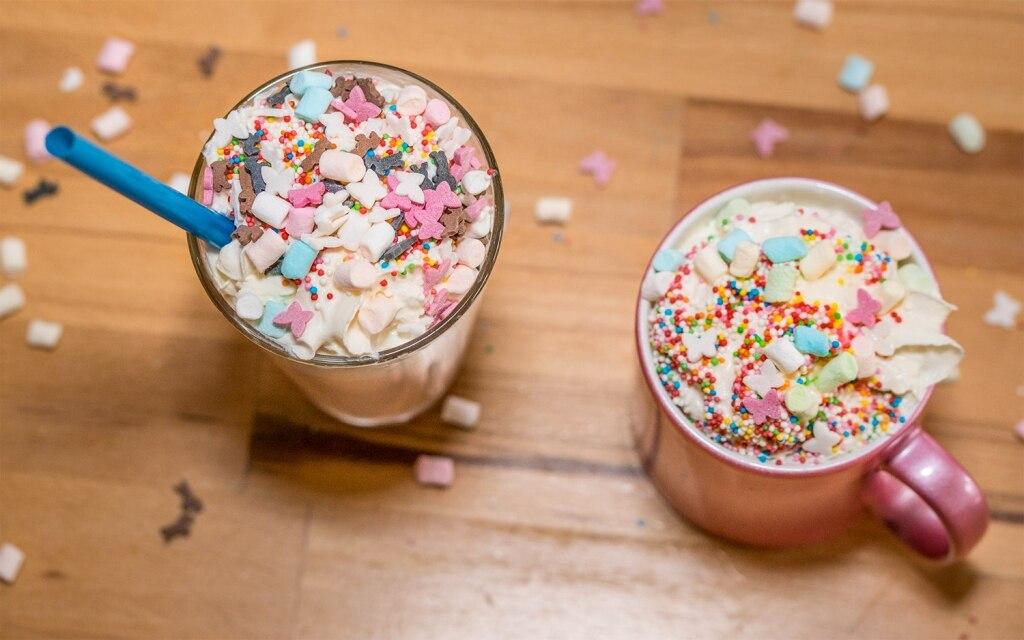 Latte di unicorno: la bevanda che fa impazzire New York